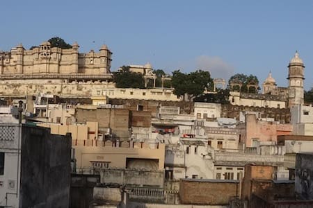 Single or twin room in town - Ram Ram Haveli