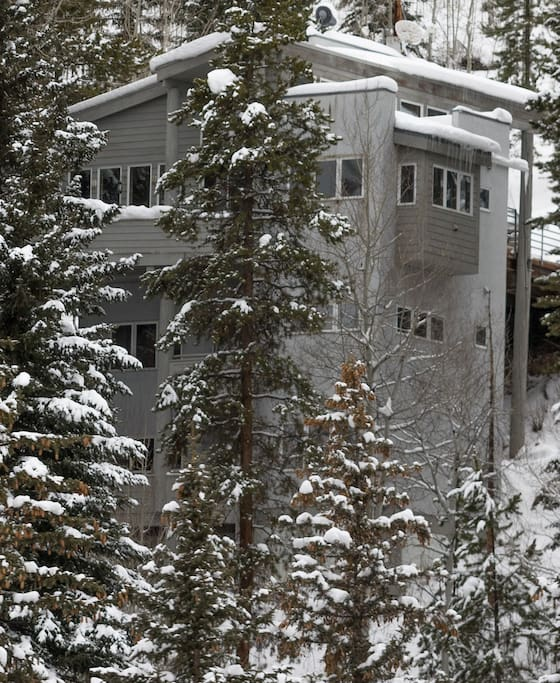 Roomy vail house in inter mountain case in affitto a for Cabine in affitto nel parco invernale colorado