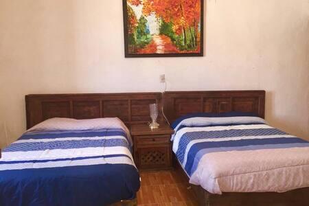 """Habitación privada en Casa Colonial """"Los Nardos"""""""