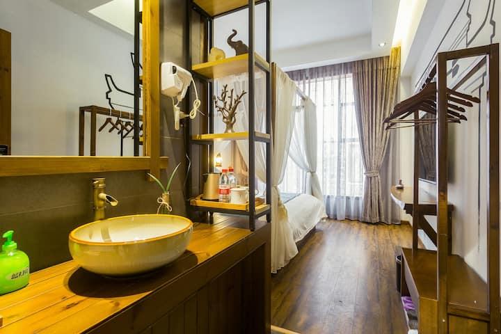古城虹桥【安宿1】中式禅意大床房免费喝茶、免费汉服。