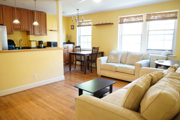 Stylish 1 bedr. corner apt in Georgetown/Palisades - Washington - Wohnung