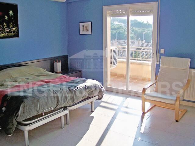 Amplia habitación en L'Escala Costa Brava