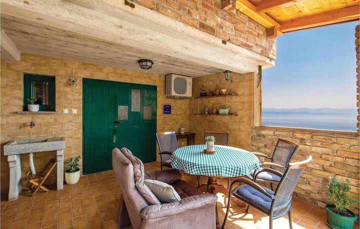 Amazing home in Lovran with WiFi and 1 Bedrooms