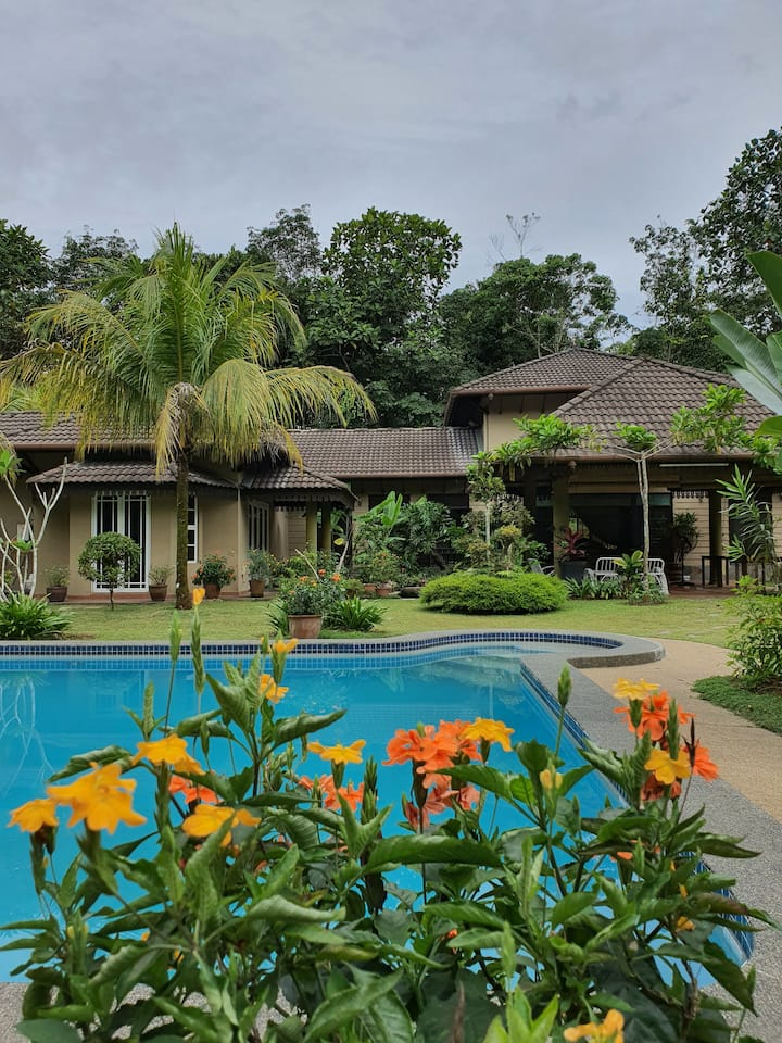 Lui Farm - Private Villa for Staycation & Retreat
