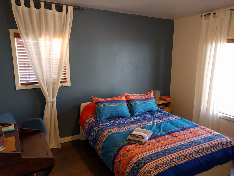 Vibrant sunny bedroom near uptown houses for rent in 3 bedroom house for rent in oakland ca