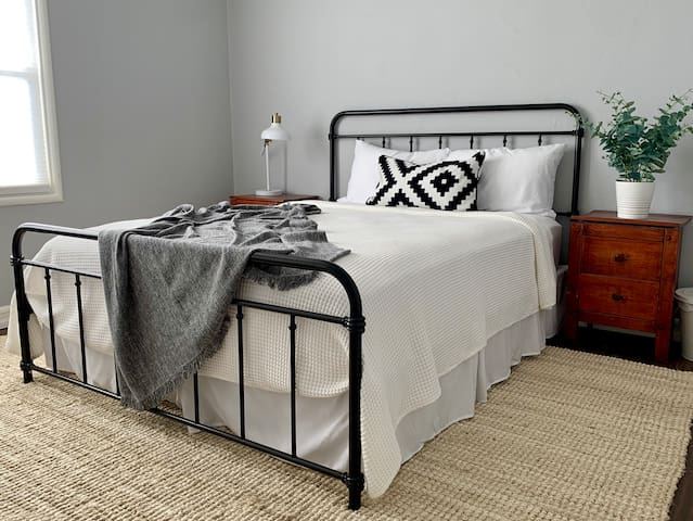 Charming & Spacious Private Room in Silicon Valley