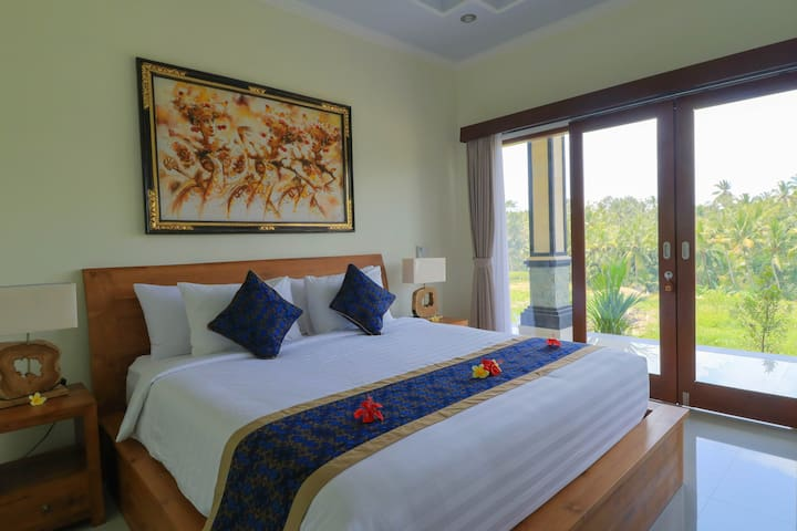 Peaceful Room in the middle of Rice Field/dbl