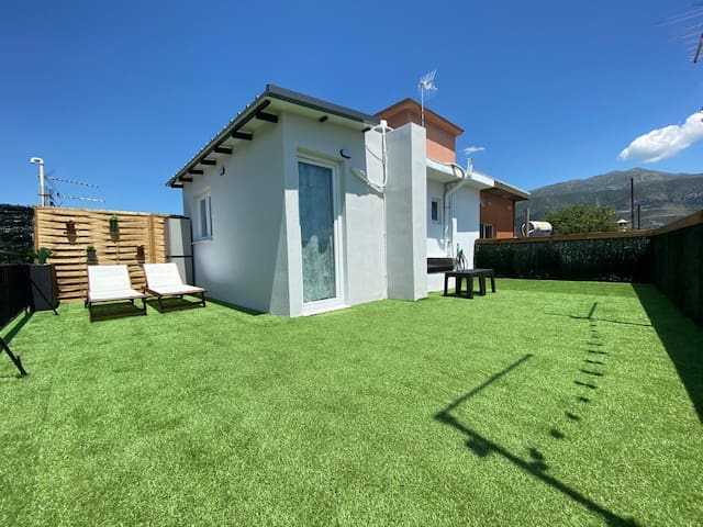 Rooftop Apartment with Garden in Ioannina