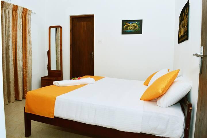 Villa Lorenta Anuradhapura-Standard Double Room
