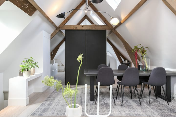 Design apartment in the heart of Rotterdam