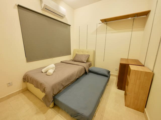 Affordable Private with 2 Single Beds for 2 pax