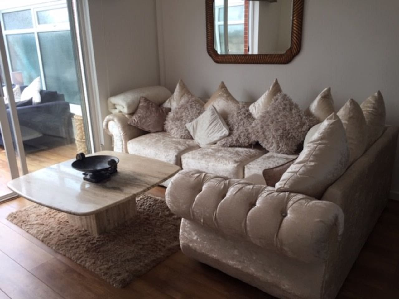 Picture yourself all cosy on this beautiful spacious and comfortable sofa perfect for snuggling up to a loved one.