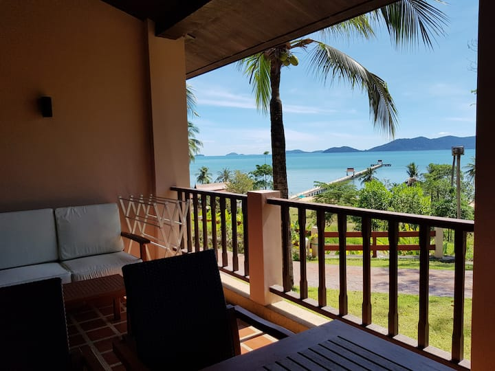 Luxury 110 m2 beachfront apartment Koh Chang