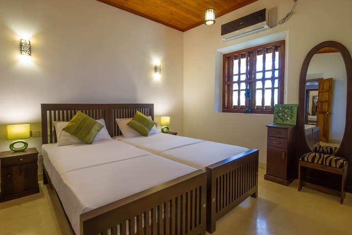 Cardomom Room, Galle Wakwella Villa