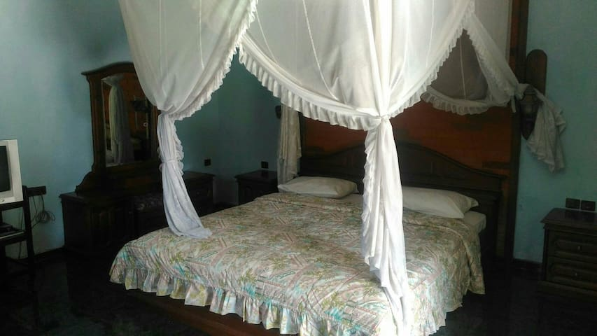 This pkace very comfortable to live - singaraja - Bed & Breakfast