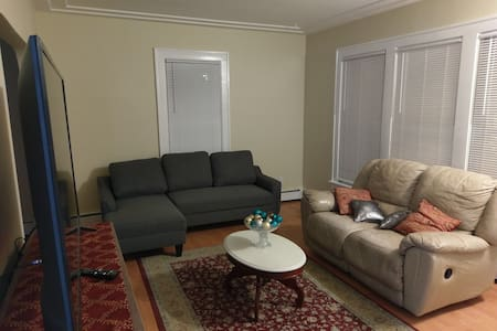 Updated Robbinsdale apartment