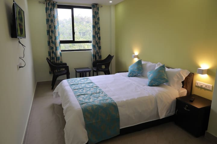 Munnar BnB (Room with free WiFi)