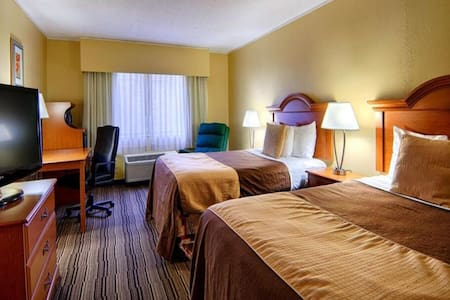 Norwood Inn Mankato-2 Double Bed Suite NS