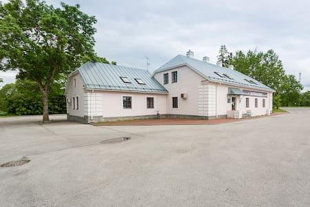 Raunex Apartment - Uuemõisa - Pis
