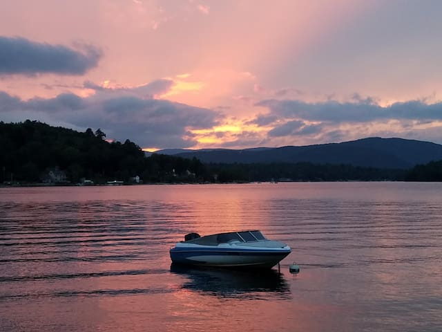 Newfound Lake Waterfront Cottage sleeps 6 easily.