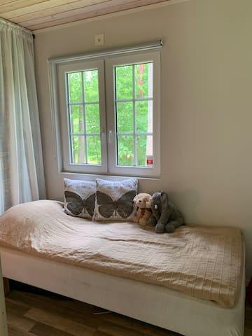 Enkelsäng i det ena sovrummet