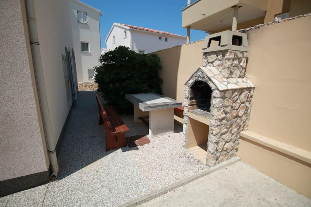 Outdoor grill, backyard, courtyard