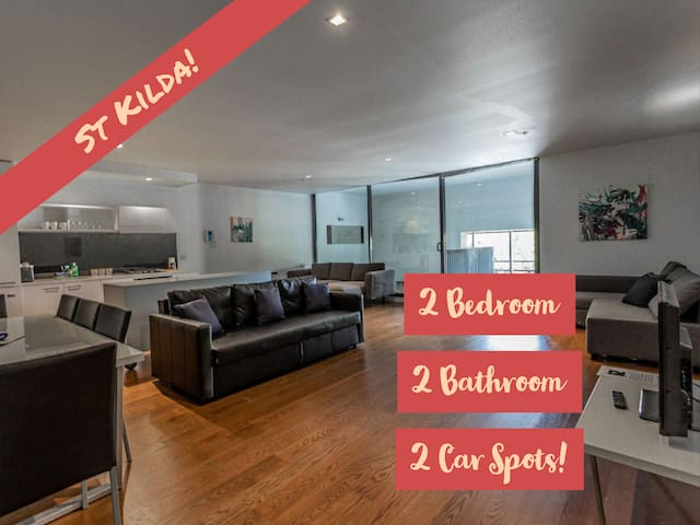 *Experience St Kilda Living! * Spacious Apartment!
