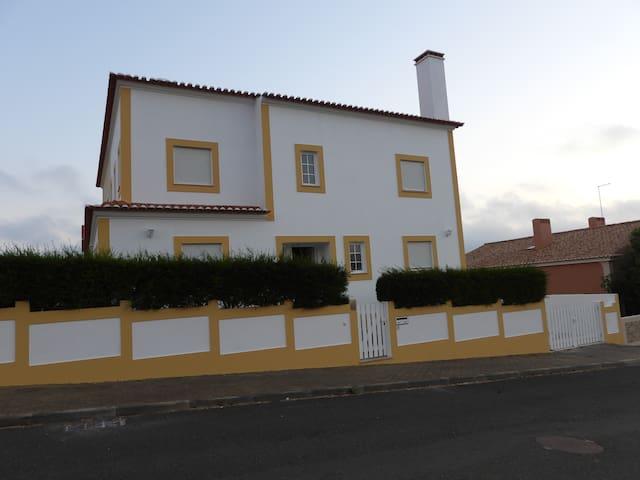 Madressilva House - Casa T3