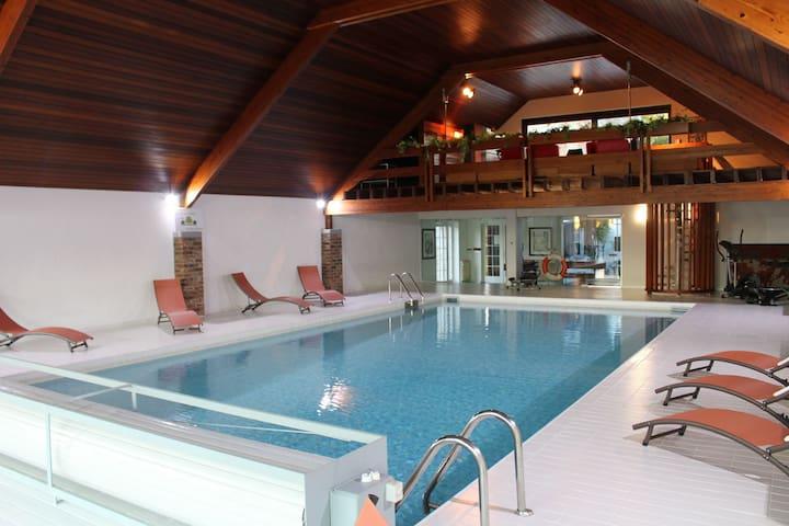 Demeure moderne avec piscine privée à Aubel