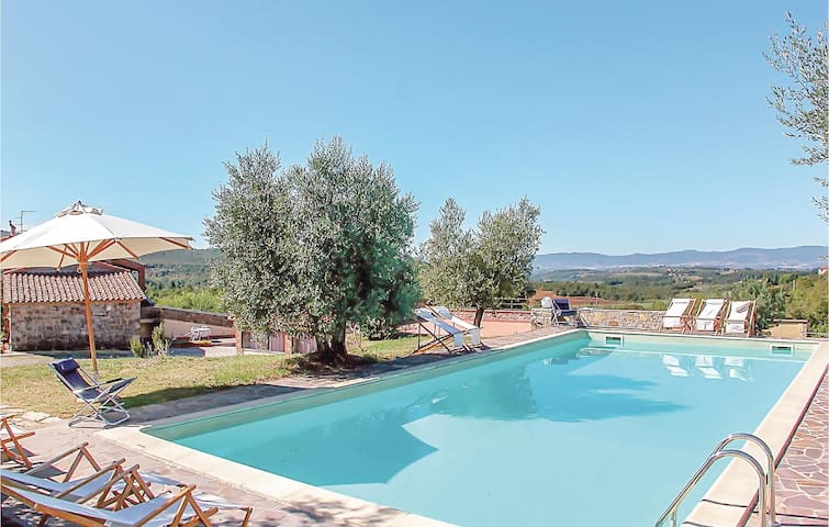Holiday apartment with 3 bedrooms on 100m² in Montegabbione TR
