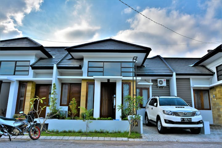 RANIA's HOUSE of LOMBOK