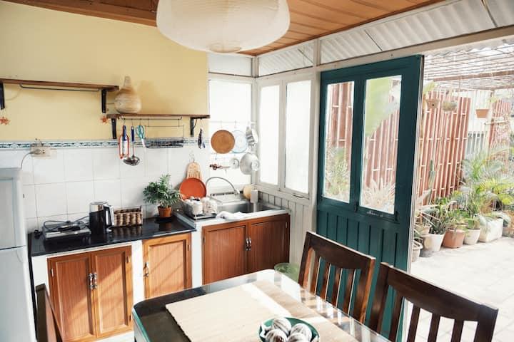 Art Duplex | Full amenities with Sunshine terrace