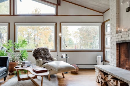 Scandinavian-Style House Dutchess County Room