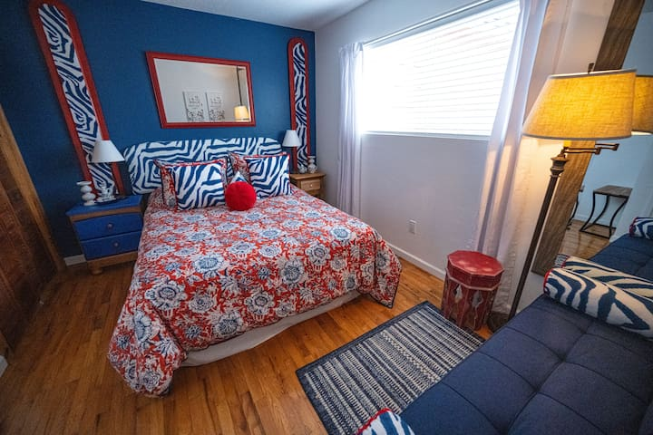 Bedroom #3=1 Queen bed plus a Sofa Bed.