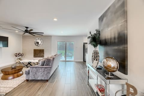 Stylish+ Fresh | Can't Miss DT Round Rock Dwelling