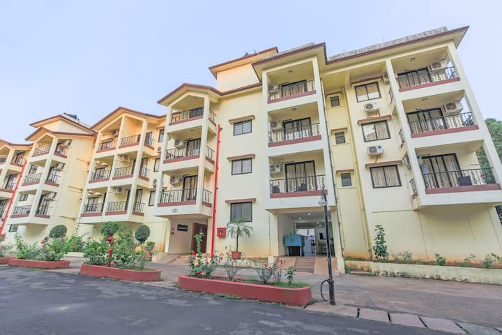 Luxurious 2 BHK with a pool and swim-up bar/70613
