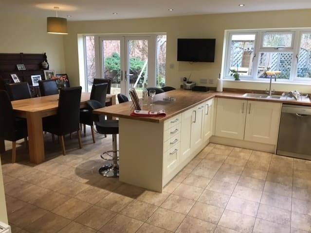 Newly Renovated & in Heart of Silverstone Villag