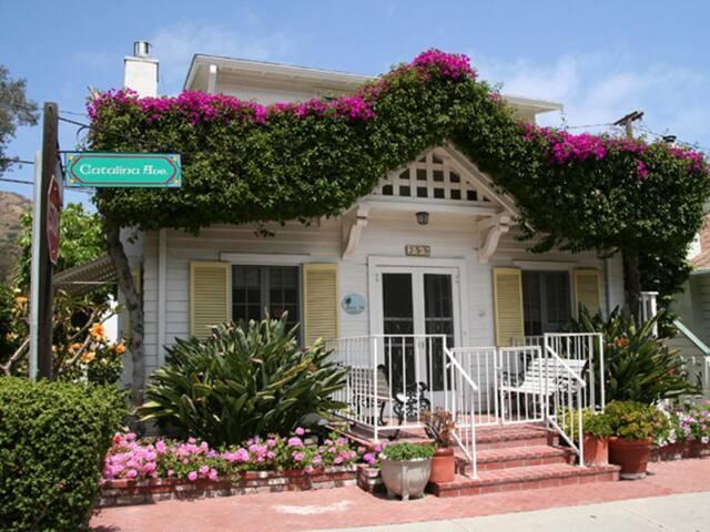 Charming Family Home, 3 Blocks to Beach