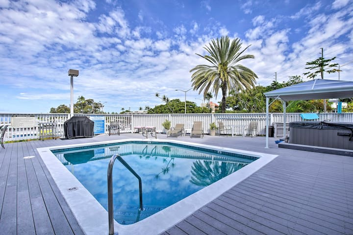 Dive into your next Kona Coast getaway at this vacation rental studio.