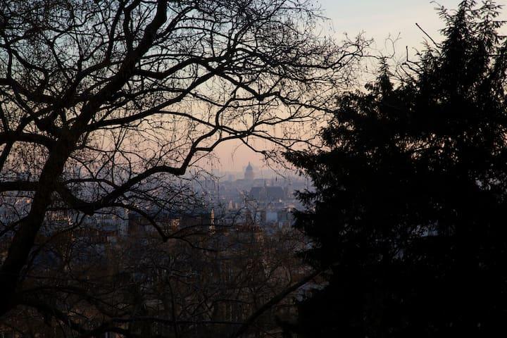 Romantic Montmartre get-away