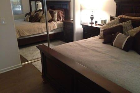Brand new one bedroom condo modern and fun - Irvine