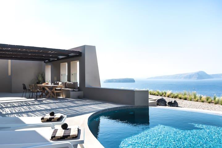 Luxury Villa with Private Heated Pool Arota Villas