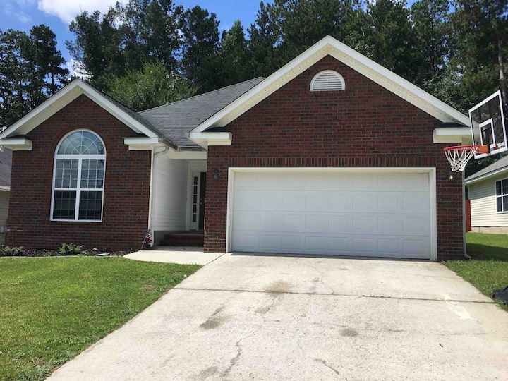 Beautiful home close to Fort Gordon and I-20