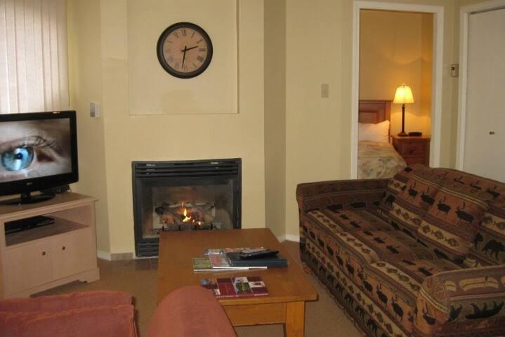 Whistler Gem! Lovely 2 Bedroom + Loft Condo - Whistler - Condominio