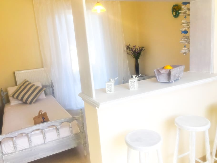 Kids room with 2 single beds.