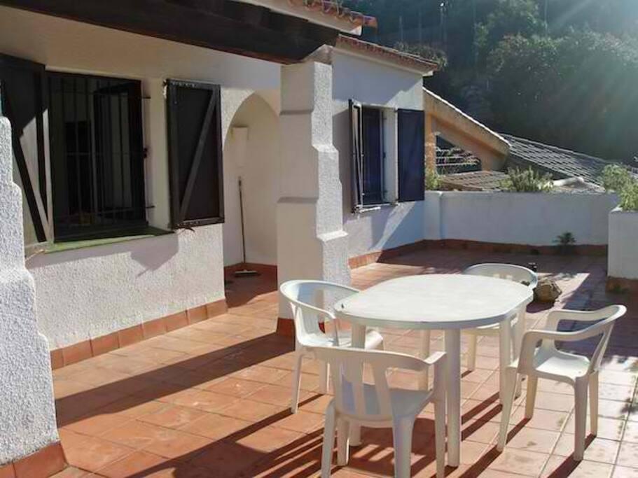 terraza con barbacoa y vistas a mar-SA PUNTA COSTA BRAVA
