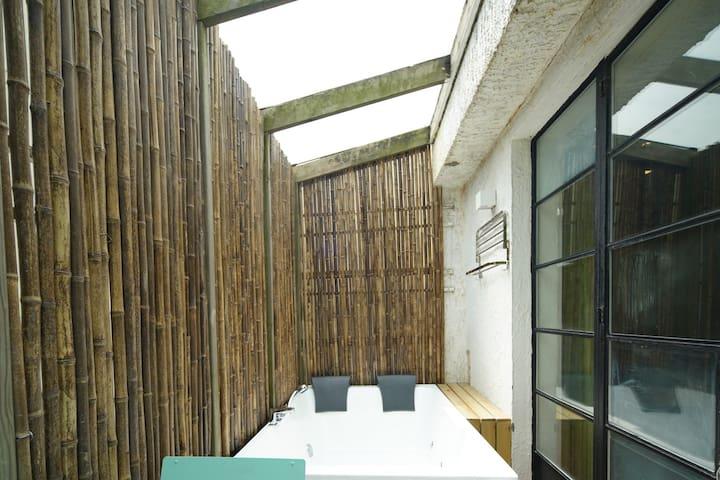 中山公园百年洋房,竹林阳光SPA大浴缸 - Shanghai - Villa