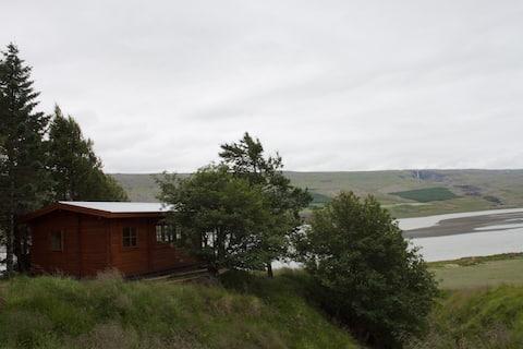 Hrafnkelsstaðir. Cozy cabin in the countryside.