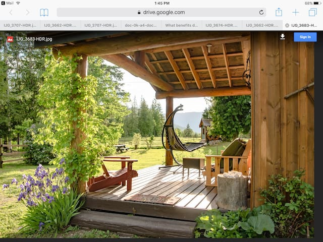 North Shuswap/ Crowfoot Mtn BC Canada Cabin