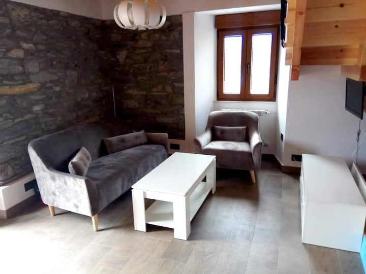 Casa de 2 habitaciones en Luarca, con magnificas vistas a las montañas y balcón - a 700 m de la playa